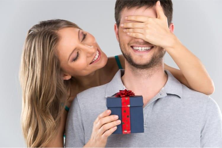 τα τέλεια χριστουγεννιάτικα δώρα KMAX για εκείνον