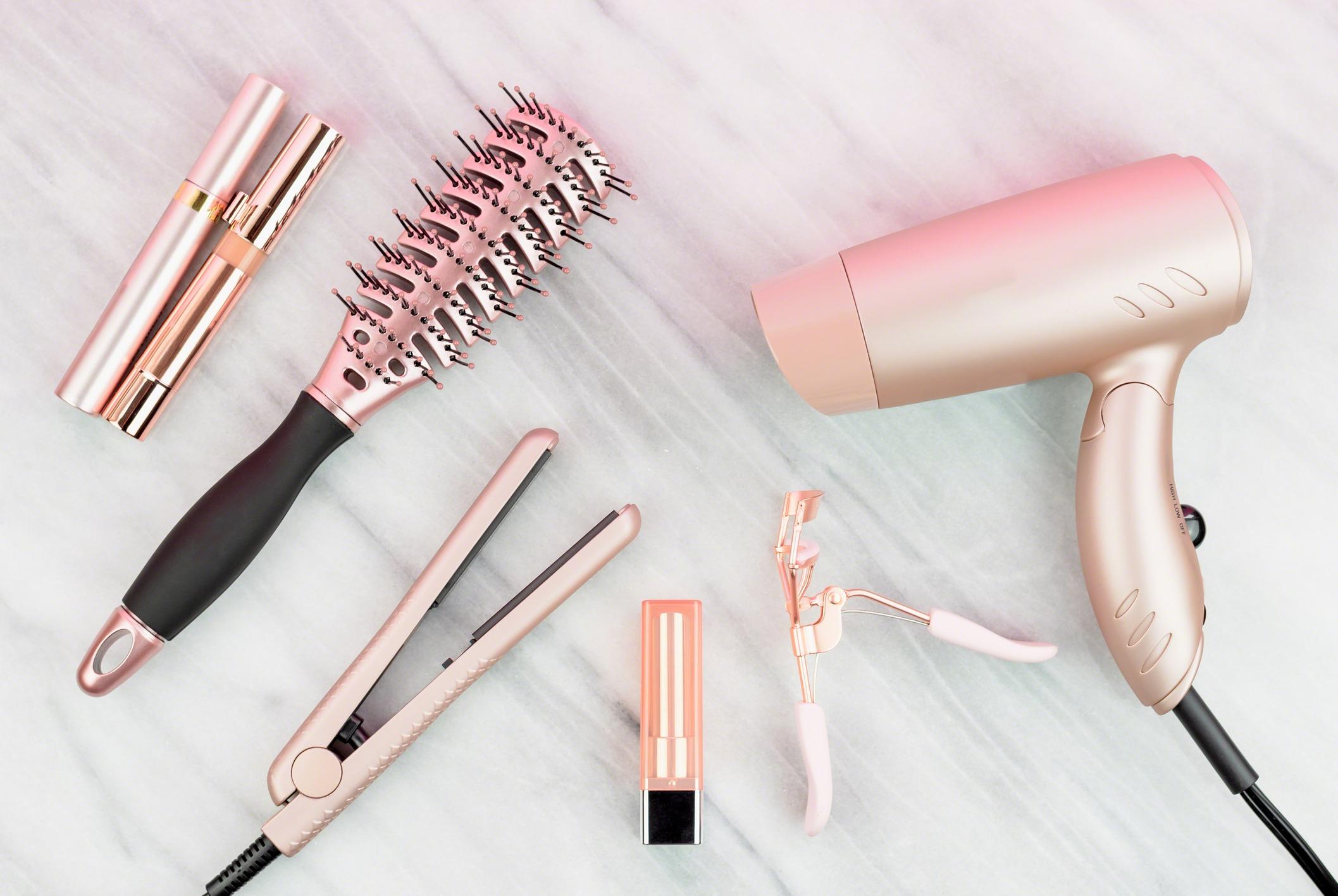 Αυτά είναι τα καλύτερα εργαλεία styling για λεπτά μαλλιά!